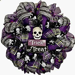 Spooky Trick or Treat Skull Halloween Deco Mesh Wreath 11