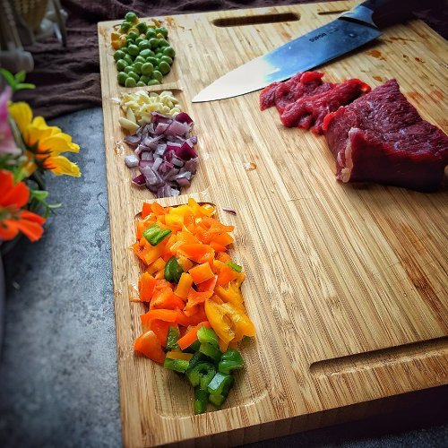HHXRISE Venfon Large Organic Bamboo Cutting Board For Kitchen, With 3 Built-In Compartments And Juice Grooves, Heavy Duty Chopping Board For Meats Bread Fruits, Butcher Block, Carving Board, BPA Free by HHXRISE (Image #8)