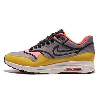finest selection eb403 702c0 Amazon.com   NIKE Women s Wmns Air Max 1 Ultra 2.0 SI, Cool  Grey Black-Light Bone, 7.5 US   Road Running
