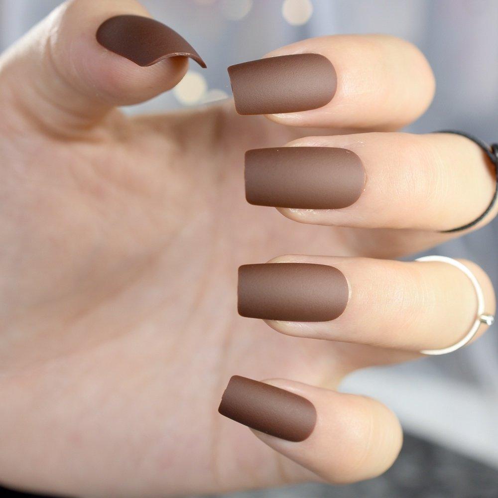 Amazon.com: 24pcs Chocolate café acabado puntas de uñas ...