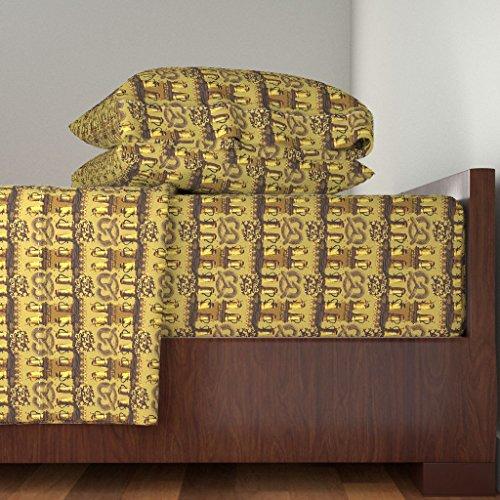 Roostery Bavarian Pretzel 4pc Sheet Set Teeny Tiny Stein-Y by Wren Leyland King Sheet Set made ()