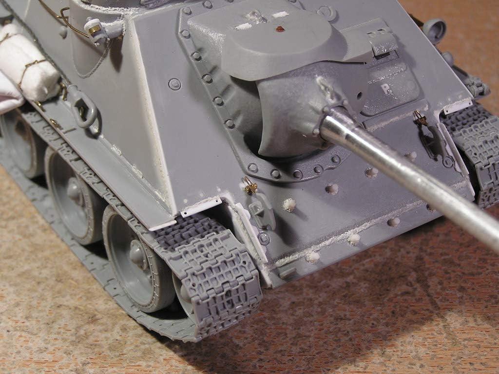 Soviet SU-100 Tank