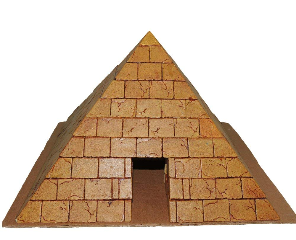 Hirst Arts Sand Blasted Pyramid with Inner Chamber Scale Model Making Kit by Maxx Gallery