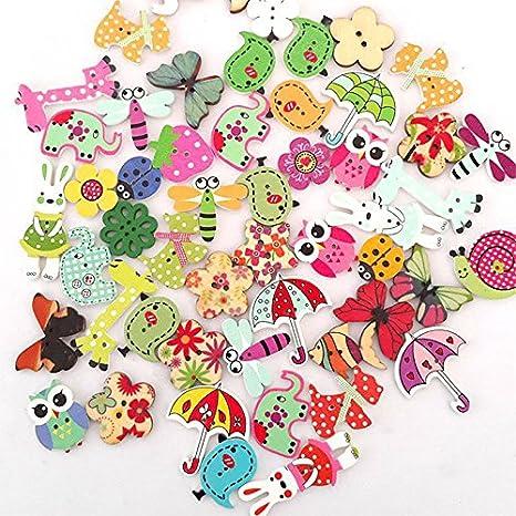 50 botones de madera Dylandy con dibujos animados mezclados, 2 agujeros para coser tejer, bricolaje, manualidades, decoración (color al azar): Amazon.es: ...