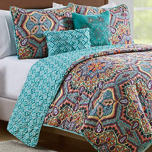 VCNY Home Yara 5 Piece Damask Print Reversible Quilt Cover Bedding Set, Full/Queen, Aqua