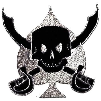 Totenkopf mit Schwert schwarz Aufnäher // Bügelbild 7,5 x 7,8 cm