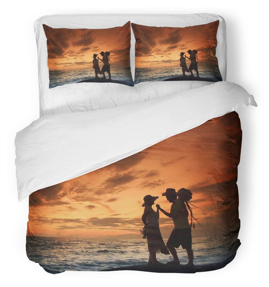 Emvency Bedsure Duvet Cover Set Closure Printed Decorative Colorful Thai Lover with Romantic Scene on the Royong Beach Thailand at Dusk Breathable Bedding Set With 2 Pillow Shams Full/Queen Size by Emvency