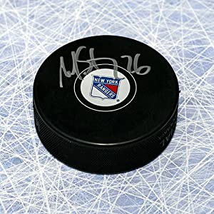 Autograph Authentic STLM10305A Martin St. Louis New York Rangers Autographed Hockey Puck - Steiner COA
