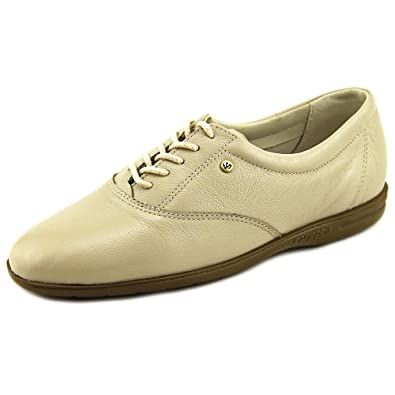 c1ff04b8c1 Amazon.com | Easy Spirit Women's Motion Sport Lace Up, Shell Leather ...