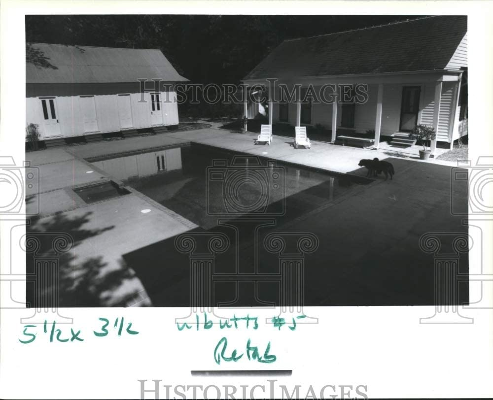 Historic Images - 1991 Press Photo Pool and Back Houses at The Home of Anne and Randy Butts in Man