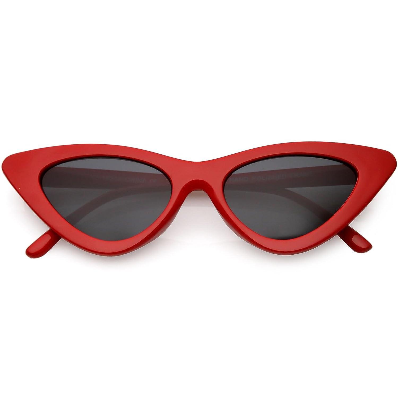 a66fac4374 Amazon.com  sunglassLA - Retro Vintage Trendy Cat Eye Sunglasses for Women  with Flat Triangle Lens (Red Smoke)  Clothing