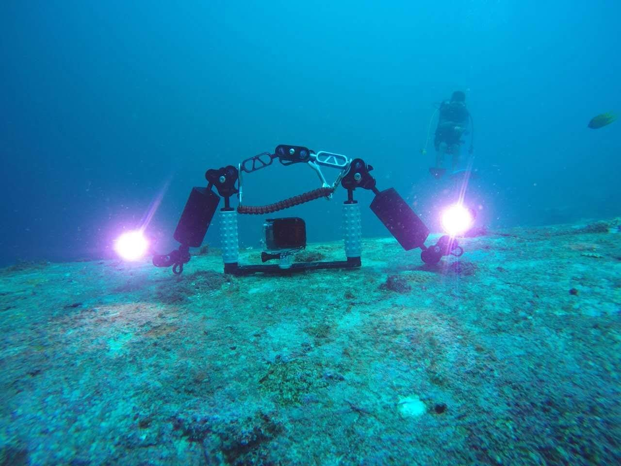 Ano V520 Dive Video Light 2000 Lumen with 2 Power Settings Included ICR18650 Battery and USB Charger Scuba Underwater Photography Light Waterproof 650ft by Ano (Image #3)