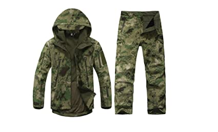 8d828e85a2fc3 Men Green Camouflage Hunting Clothing Windproof Waterproof Softshell Hooded  Jacket & Pants Set Outdoor Sports Clothes