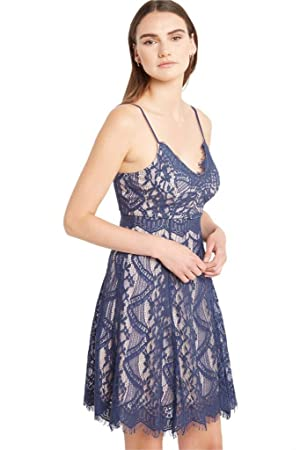 Women's Fashion V Neck Floral Lace Fit Flare Straps Scalloped Trim Swing Party Dress NV M
