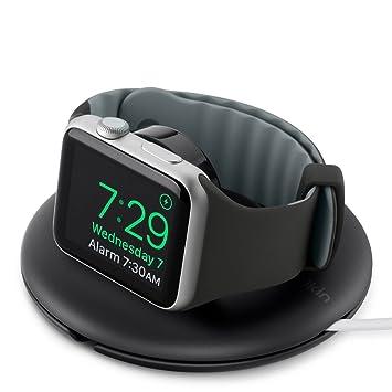 Belkin - Soporte de viaje y de carga (para Apple Watch Series 4, 3, 2, 1 de 38/42 mm con modo de mesa de noche, cable de carga no incluido) negro