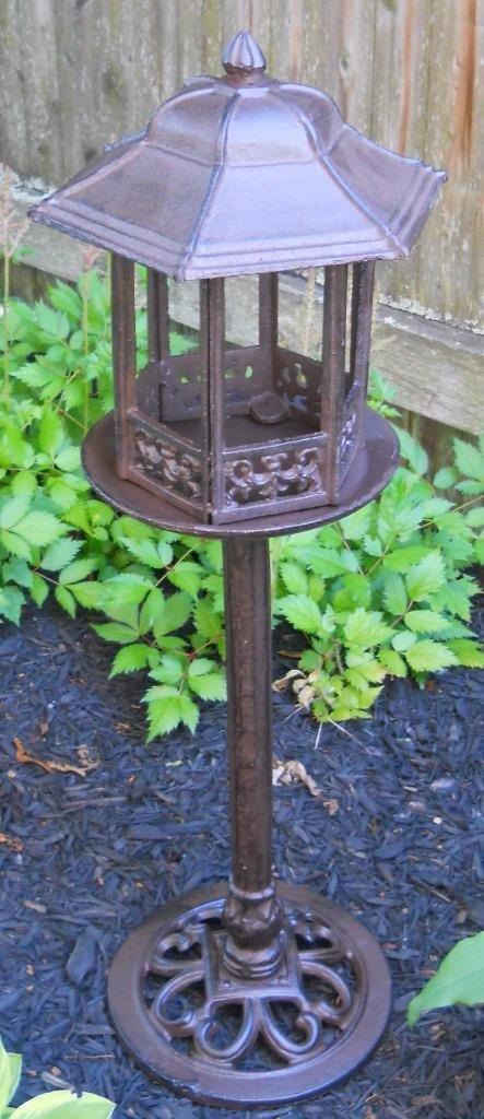 Lana45 Gazebo Bird Cast Iron Free Standing Bird Feeder Vintage Looking Lamp Post Design - Yard Art Garden Need
