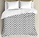 Modern 4 Piece Bedding Set King Size, Geometric Triangle Shapes Zig Zag Triggering Lines Minimalist Pattern Print, Duvet Cover Set Quilt Bedspread for Childrens/Kids/Teens/Adults, Black and White