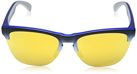 7a2c99b89c0 Amazon.com  Oakley Men s Frogskins Lite Sunglasses