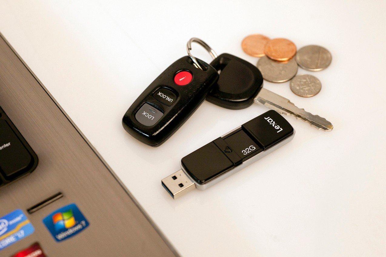 Lexar P20 32GB USB 3.0 JumpDrive LJDP20-32GCRBEU