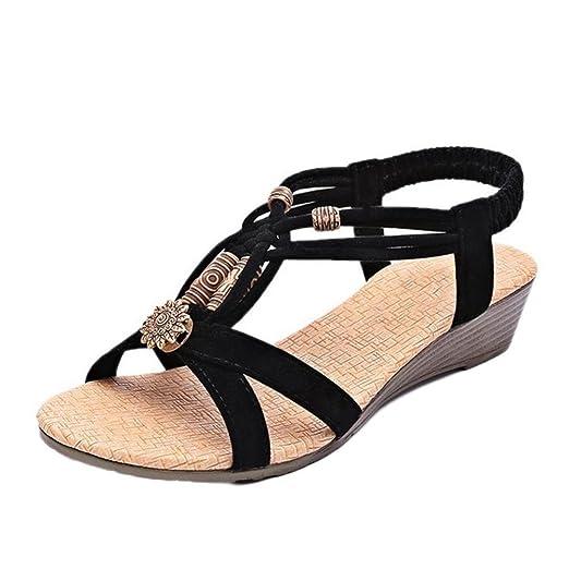 a852de91752 Las zapatillas romanas de verano con hebillas casuales oxford es un calzado  para el aire libre de bajo talón o cuña