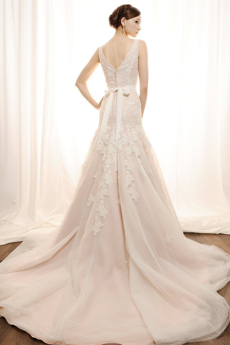 Amazon.com: Vera Wang Bridal Collection - Vogue #2118 - Sizes 18-20-22