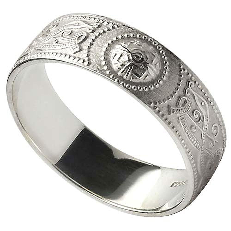 Men s Celtic Warrior Shield Sterling Silver Wedding Band Amazon