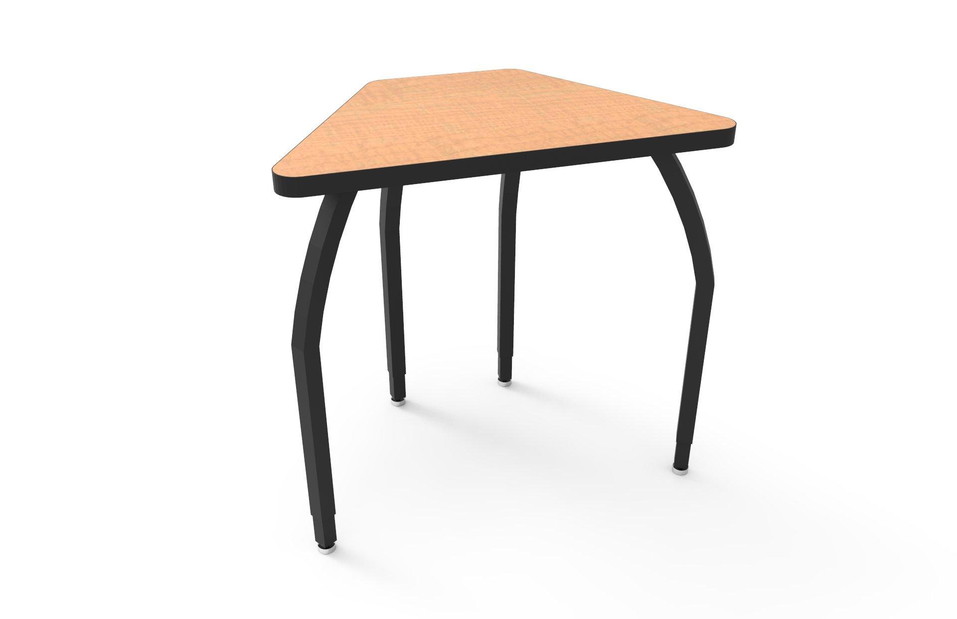 ELO Connect 6 desk w/ Fusion Maple laminate, 4 adjustable black legs