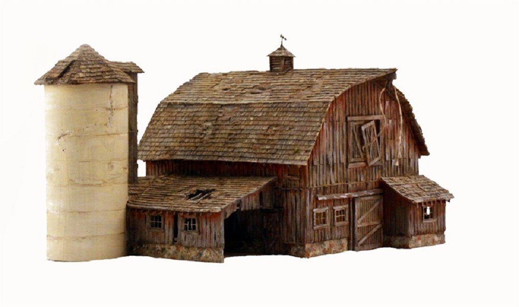 Woodland Scenics HO Scale Built-Up Building/Structure Old Weathered Barn