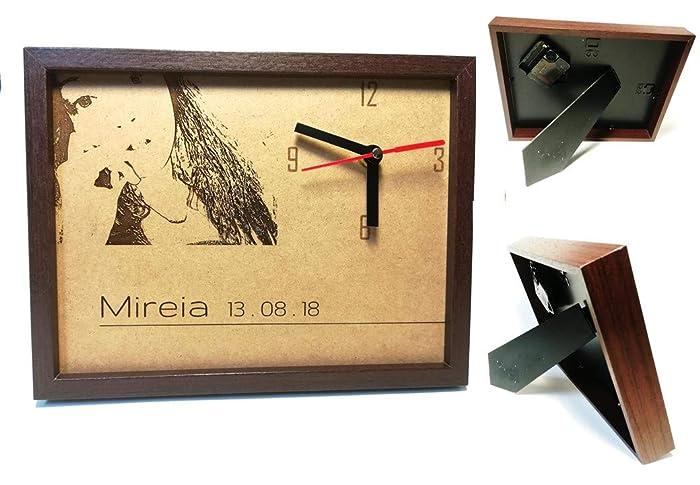 Portaretratos con imagen en laser y con reloj. Personalizado.