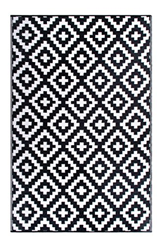 - FH Home Indoor/Outdoor Recycled Plastic Floor Mat/Rug - Reversible - Weather & UV Resistant - Aztec - Black/White (6 ft x 9 ft)