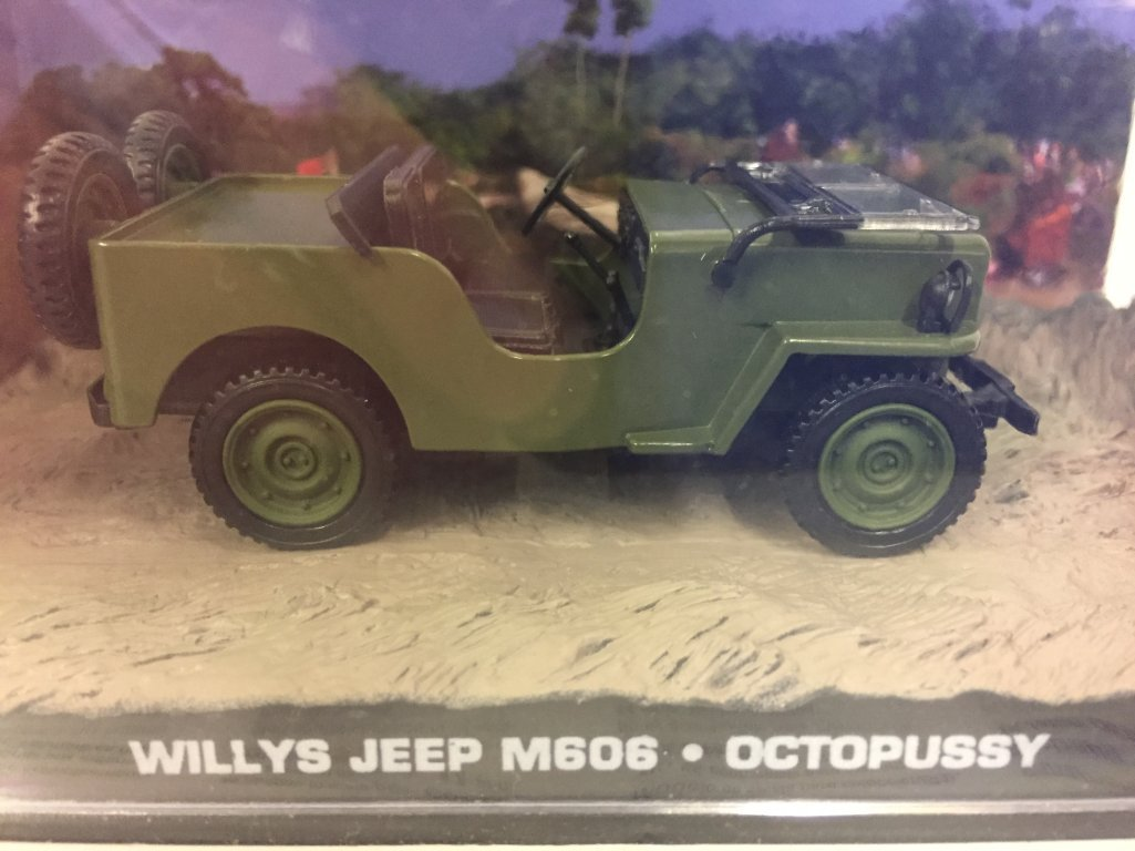 007 James Bond Car Collection #46 Willys Jeep M606 (Octopussy) Eaglemoss