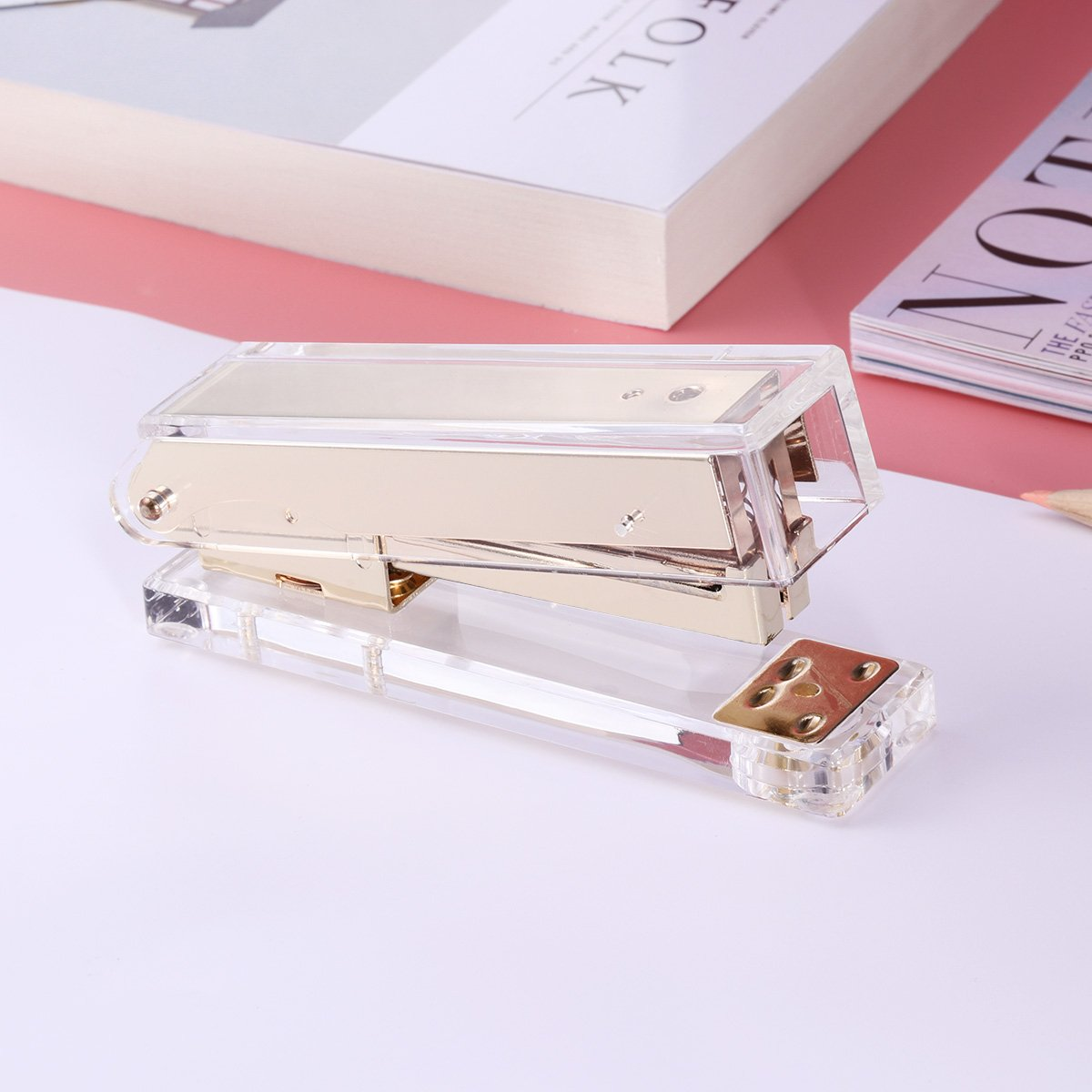 TOYMYTOY Acrylic Clear Desktop Staplers,Classic Desk Staplers for Office, School Use (Gold) by TOYMYTOY (Image #6)