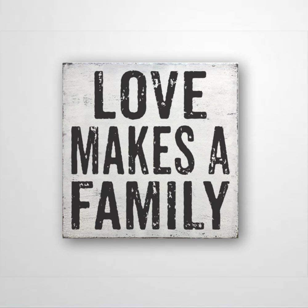 DONL9BAUER Love Makes A Family, Farmhouse Style Wood Sign Housewarming Present, Wall Decor Rustic Home Decor Wall Hanging Indoor Outdoor