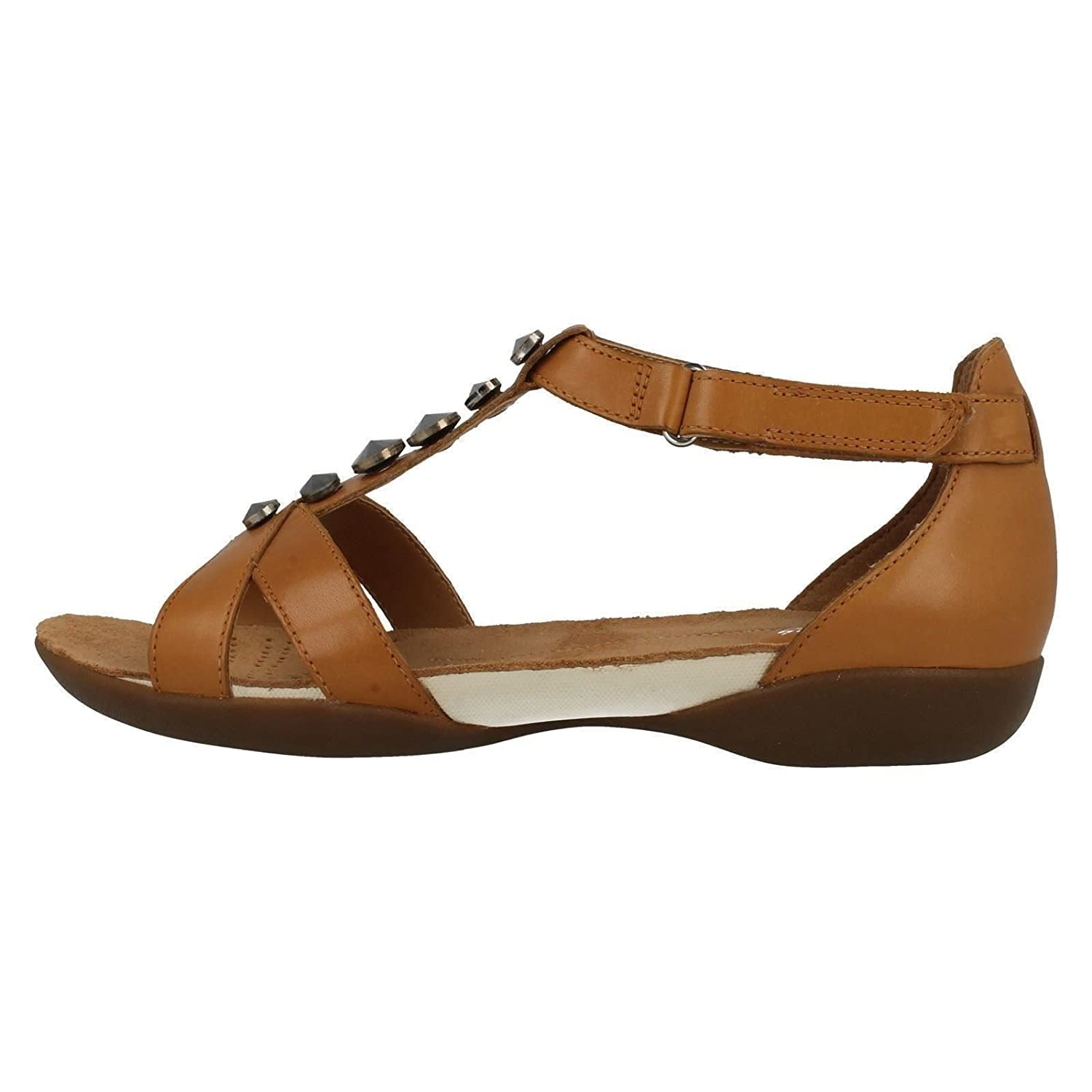 93f74f4cf88ae0 Clarks Ladies T-Bar Flat Sandals Raffi Scent Tan Leather Size 8E   Amazon.co.uk  Shoes   Bags