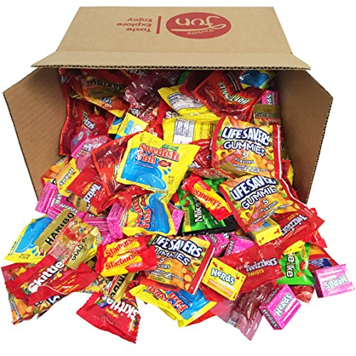 Trick Or Treat Halloween Candy Bulk Variety Pack Mixed Assortment (96 oz)