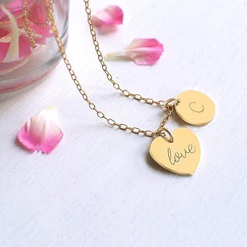 Personalizado oro pequeño corazón de 'love' o 'amor' y collar de disco inicial