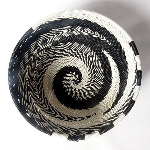 African Zulu woven telephone wire bowl – Extra small round - Black and white - Gift from Africa