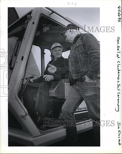Amazon com: 1990 Press Photo Gov Neil Goldschmidt at