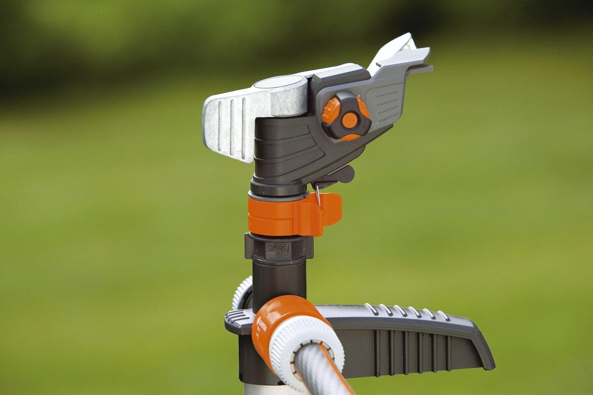Gardena Circle Pulse Sprinkler Premium in Grey/Orange