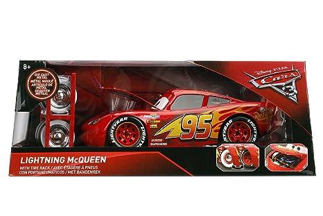 amazon com disney pixar cars 3 lightning mcqueen 1 24 scale die