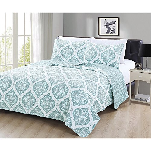 2 Piece Coastal Floral Medallion Motif Reversible Quilt Set Twin Size, Featuring Geometric Moroccan Trellis Blooming Flowers Bedding, Vintage Pastel Nature Design, Bright Emblem Pattern, Blue, Ivory