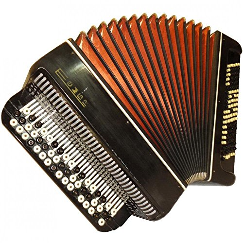 Classic Old Russian Button Accordion Accordian Bayan Tembr / Тембр 100 Bass, 668, Cheap Folk Musical Instrument For Sale.