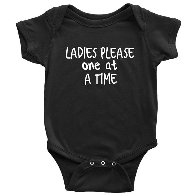 Amazon.com: teehub señoras por favor uno a la vez Onesie ...