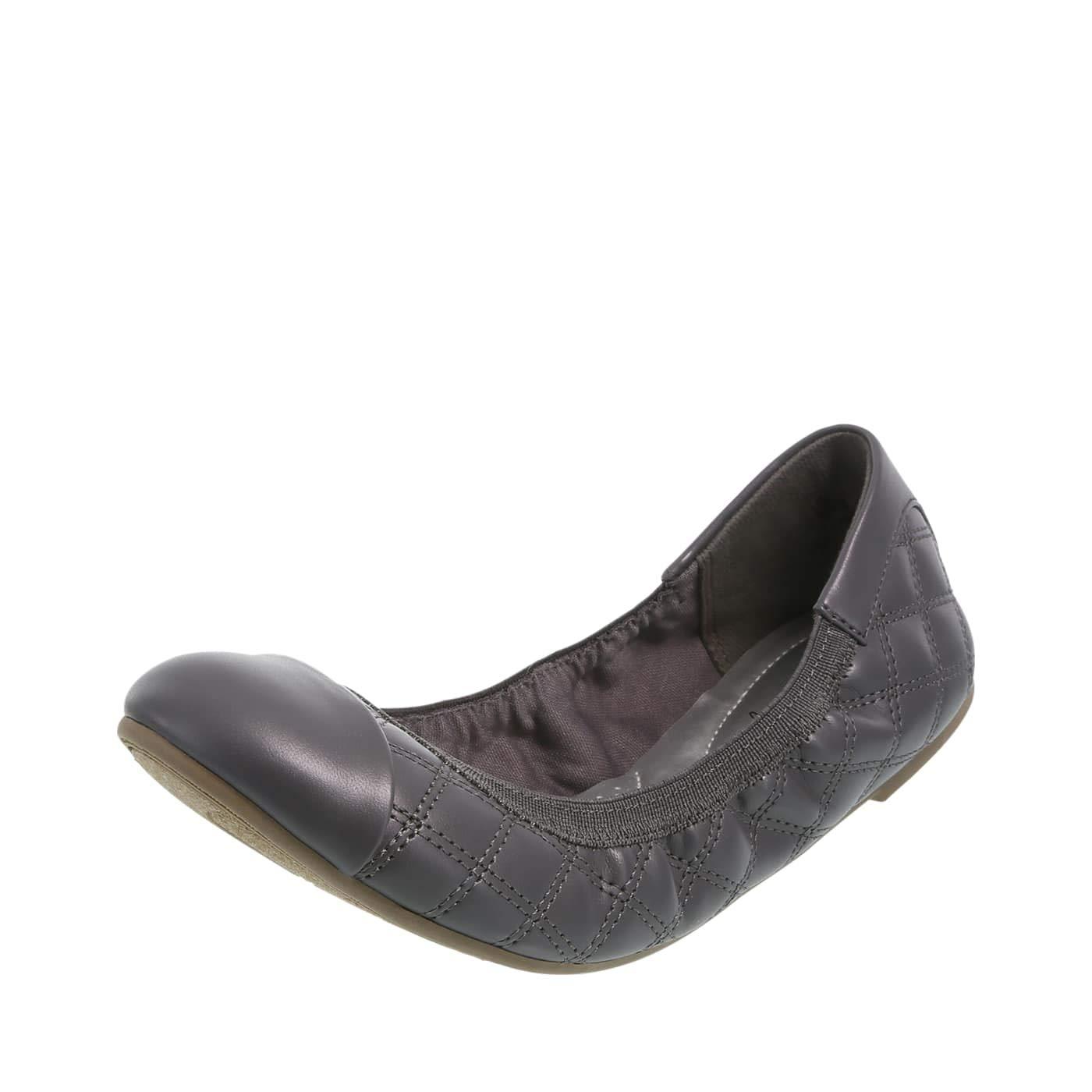 fd4853cff0fa dexflex Comfort Concrete Grey Quilted Women s Claire Scrunch Flat 6.5 Wide