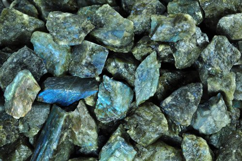 Fantasia Materials: 3 lb Labradorite Mine Run Rough - (Select 1 to 18 lbs) - Raw Natural Crystals for Cabbing, Cutting, Lapidary, Tumbling, Polishing, Wire Wrapping, Wicca and Reiki Crystal - Display Lapidary Agate