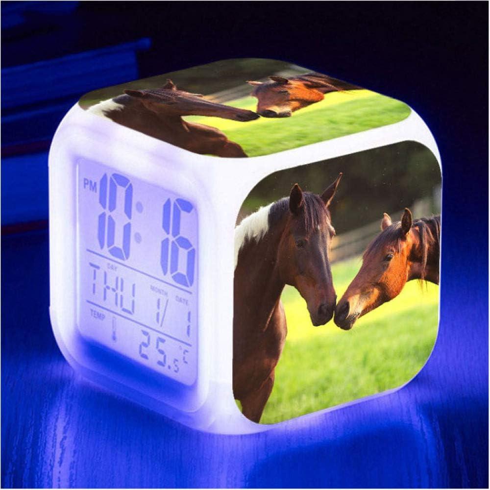 Hhiak666 Simpatica Sveglia A Led Con Cavallo 7 Orologi Da Tavolo Digitali Che Cambiano Colore Per Bambini Orologio A Cubo Luminoso Regali Di Compleanno Per Bambini 8cm 16 Amazon It Casa E Cucina