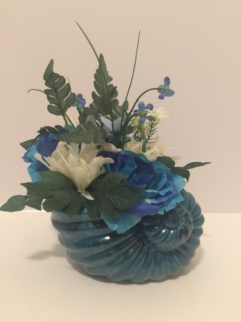 ANIMAL FUN - BLUE STONEWARE SEA SHELL VASE - WHITE AND BLUE MIXED FLORAL