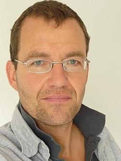 Daniel Herbst (Pseudonym der Science-fiction-Autoren Hans Joachim Alpers und Ronald M. Hahn.)