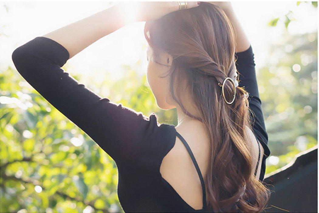 Hair Clip for Women, Fascigirl 8pcs Vintage Hair Barrettes Hair Pins Moon Triangle Circle Butterfly Hair Clips for Girls Thick Hair Styling Hair Accessories