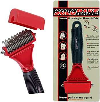 As you comb a horses mane or tail thinning and creating a hand stripped look the rake easily removes hair ideal for shaping SoloRake by William Hunter Equestrian finishing